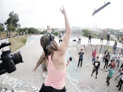 【板女动态】巴西女滑手Leticia Bufoni城市之旅短片