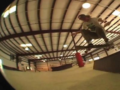 【板女动态】Taylor Beatty加州Midtown滑板剪辑