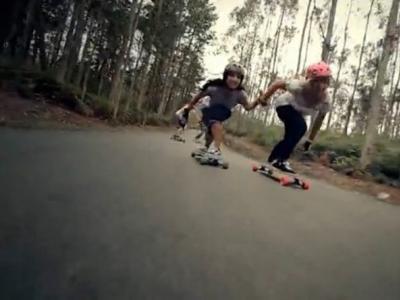 【板女动态】滑板长途旅行升华姐妹之间的友谊