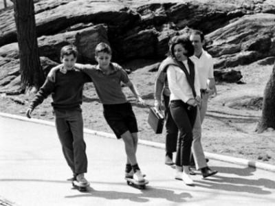 为什么玩滑板不穿运动服?