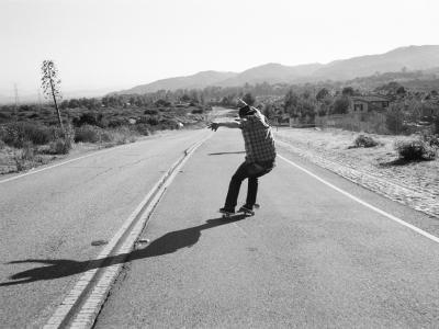 【滑板文艺】Evan Burke:滑板、穿刺和地下演出