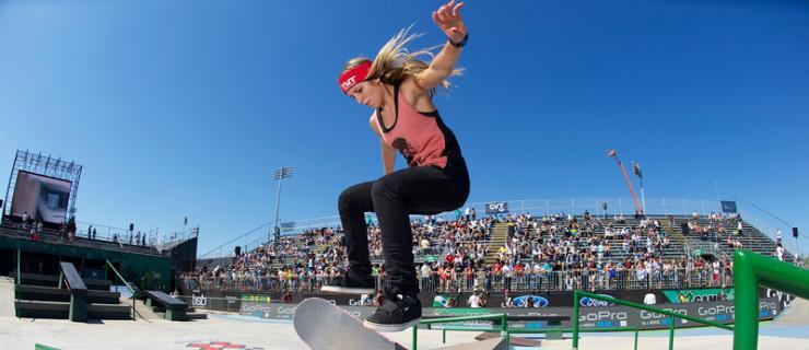 【板女动态】巴西女滑手Leticia Bufoni正式加入NikeSB