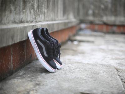 【NEWYE周三】经典的合作--Vans x Independent合作款滑板鞋