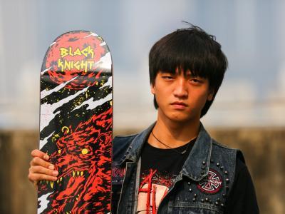【NEWYE周三】一场肆意妄为的个人秀-Blackknight刘佳明签名板