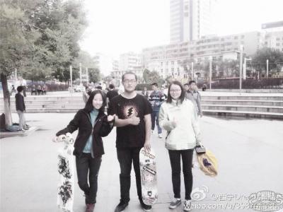 """【城市滑报】西宁""""Dream滑板店""""店主大鸟访问"""