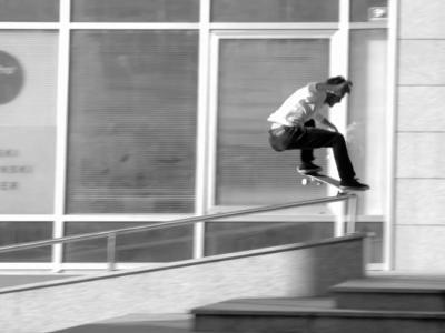 """【滑板文艺】黑白影像作品""""signature""""解读城市与滑板"""