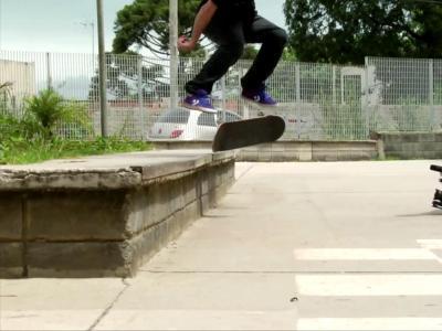 【滑板动作教学】Flip Crooked Grind