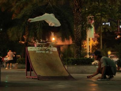 【WHATSUP WKND】#200-深圳百合滑板夜