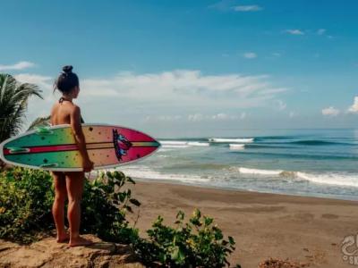 【板女动态】Psychos滑手杨雪巴厘岛冲浪之旅全纪录