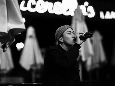 市民中心风格之王,23岁滑手刘小光小短片