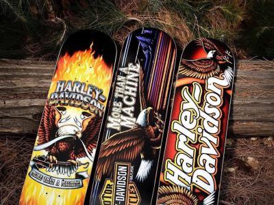 Greg Lutzka超霸气Darkstar X Harley Davidson合作款板面