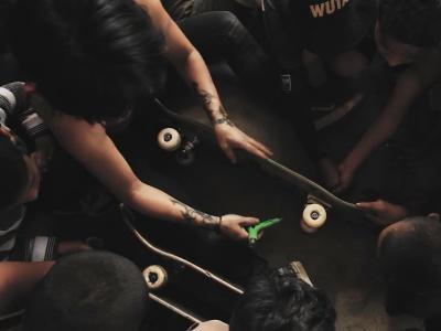 滑板大爱无国界,尼泊尔安纳布尔那山板场修建计划!
