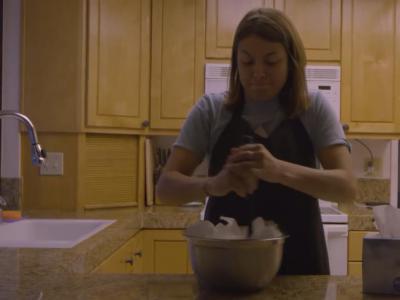 Krux创意宣传片:Nora 在厨房里忙着煮什么!?