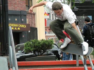 Frog Skateboards的趣味之旅,快乐至上!