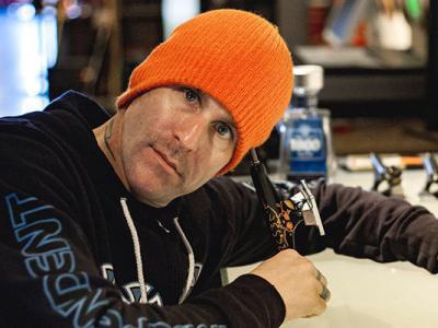传奇滑手Jason Jessee因为盗窃车辆以及非法持有枪支被逮捕!