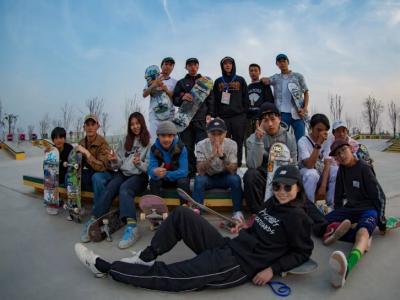 中国新生代滑板力量,郭正Vlog记录新片第一站幕后花絮!