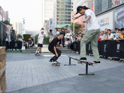 【WHATSUP WKND】#270 在深圳最繁忙的华强北,做了一次滑板推广