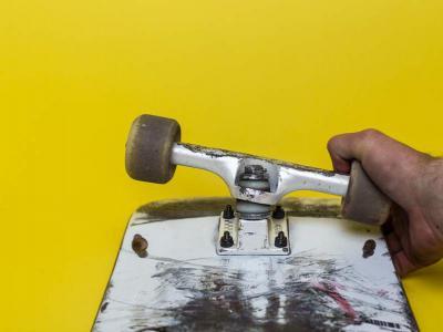 超实用滑板技巧 | 如何才能避免滑板咬轮?
