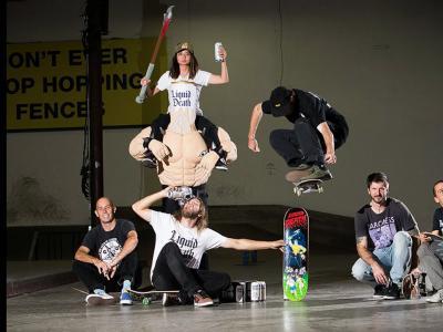 Chris Cole和 Liquid Death:25个动作飞过25片滑板!